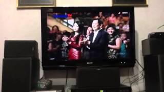 """Wiranto Nyanyi """"Bagi Tuhan Tiada yang Mustahil"""" di Natal MNC"""