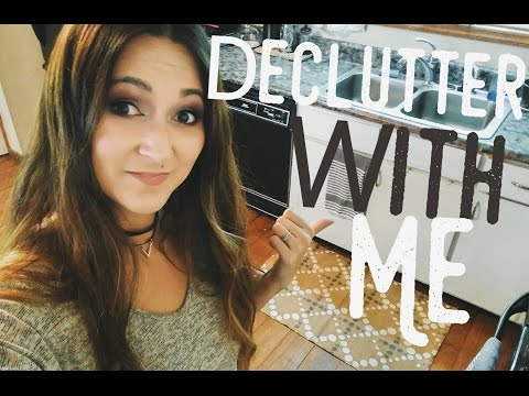 Declutter With Me | Aspiring Minimalist | Paint Hoarder