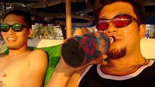 アキーラさん堪能!タイ・パタヤ・夕方のビーチで海水浴&ビール!Sea bathing at Pattaya beach in Thailand