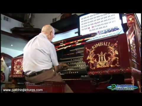 Kay McAbee playing  Theater Organ at Maloof Home