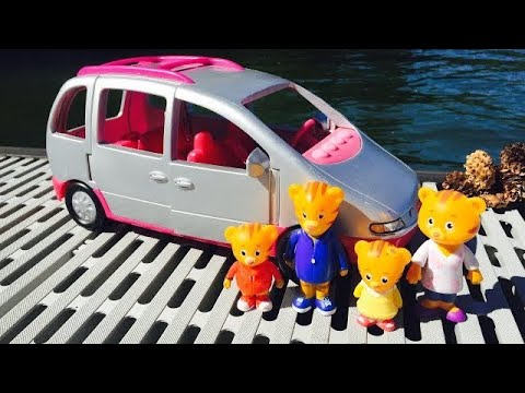 Learning FISHER PRICE Musical Van and Counting by the LAKE with DANIEL TIGER NEIGHBOURHOOD Toys!