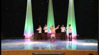 Уйгур танцует андижанскую польку!!!