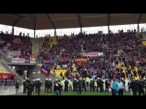 aachen-ii-vs-kfc-uerdingen-05-team-laesst-sich-feiern