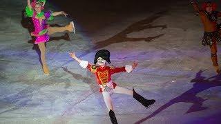 Щелкунчик на коньках. Олимпийские чемпионы показали в Югре спектакль на льду