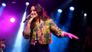 Demi Lovato Sorry Not Sorry   -Live- (Silent Disco 2017)