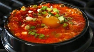 Kimchi Soft Tofu Stew (kimchi Sundubu-jjigae: 김치순두부찌개) Caption:english, Korean (한글자막)