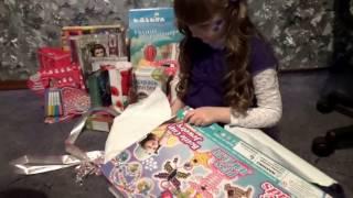 Распаковка подарков на день рождения Маши. Видео - распаковываем все подарки.(Распаковка подарков на день рождения Маши! Маша распаковывает подарки на день рождения. У Машеньки вчера..., 2016-03-15T10:14:20.000Z)