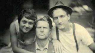 The Lumineers - Morning Song (Fuel/Friends Session)
