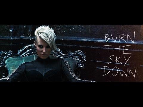 Emma Hewitt - Burn The Sky Down