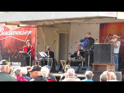 Tina Mumford, Keith Ross and Friends on the Budweiser Stage