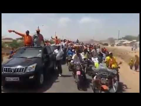 Video: Raila Honoured with a KINGS Welcome in Garissa. Uhuru will envy Him