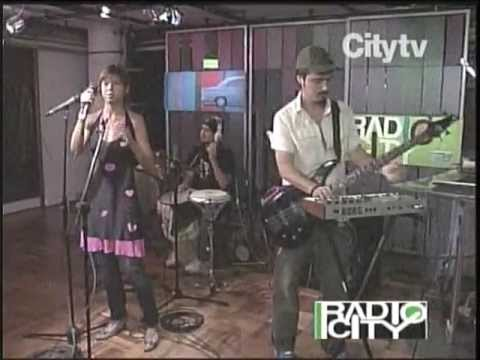 BOMBA ESTEREO.   HUEPAJE.   CITY TV  2006