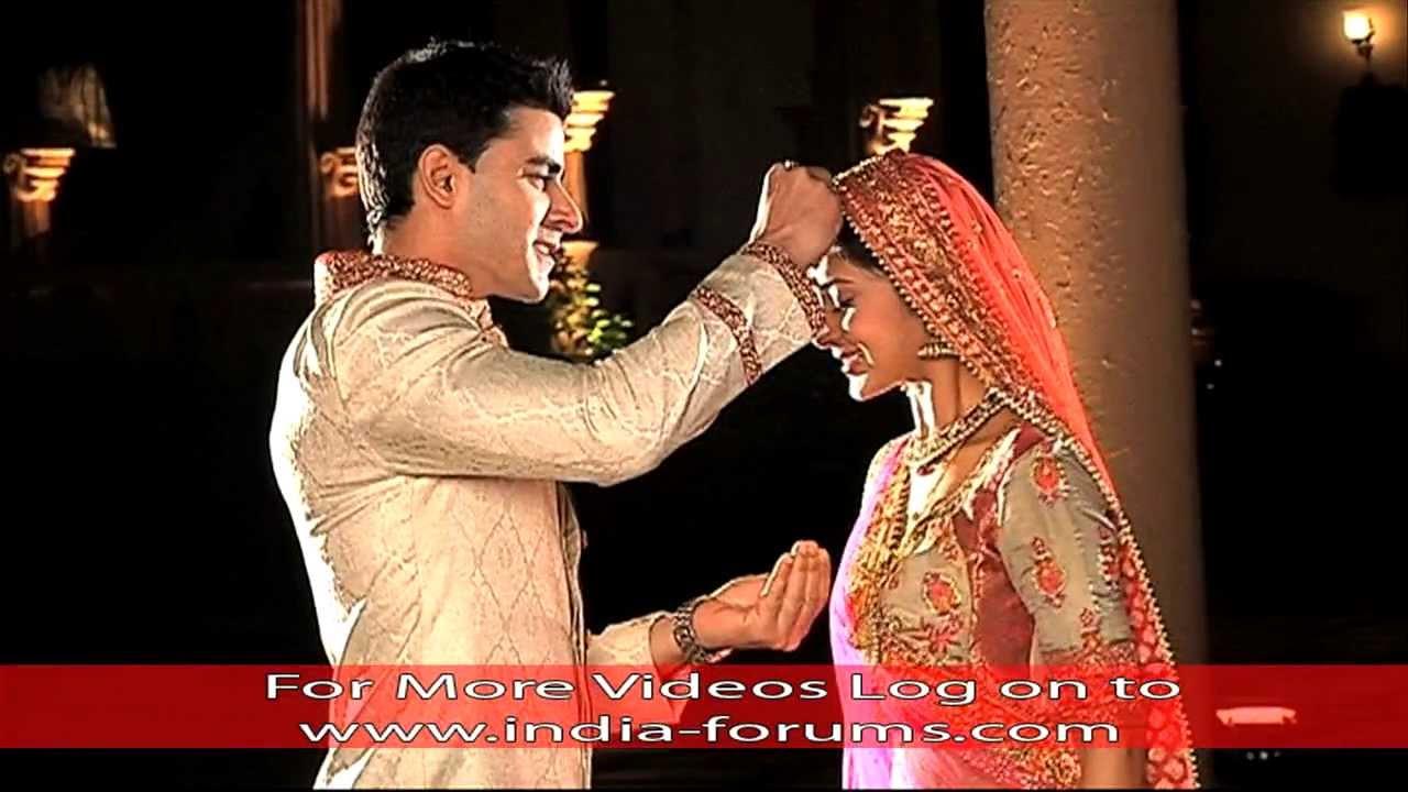 saras weds kumud saraswatichandra youtube