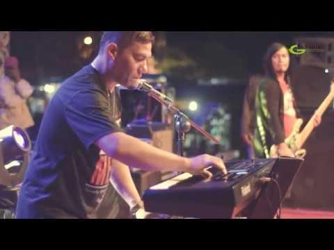 "Batak Song "" Nunga Malala ""Live Performance by Tongam Sirait in Sidikalang - Dairy Regency"
