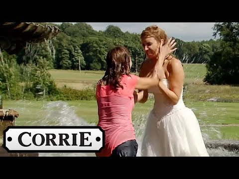 Maria and Eva Fight in the Water Fountain! - Coronation Street