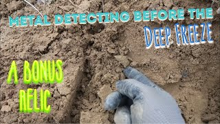 Gambar cover Metal detecting Before the Deep Freeze! Arrowhead in the Hole!