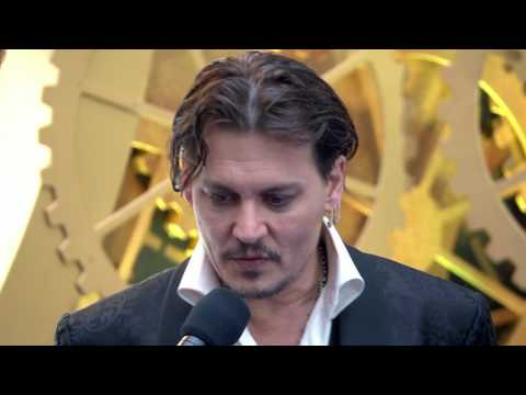 "Alice Through the Looking Glass: Johnny Depp ""The Mad Hatter"" Movie Premiere Interview"