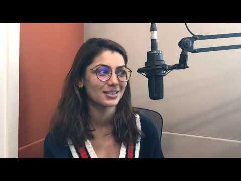 "Actress Sriti Jha on her storytelling & Roshan Abbas on their ""Spoken Fest"" 2019 with Hrishi K thumbnail"