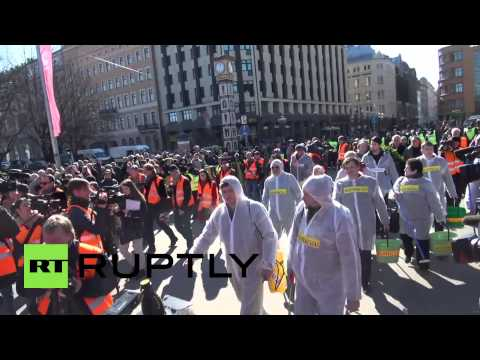 Latvia: Riga streets 'cleansed' following Waffen SS commemorative march
