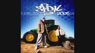 12 SFDK - No eres feo ni ná [2005]