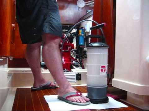 Marine Oil Change With Moeller Fluid Extractor Pump