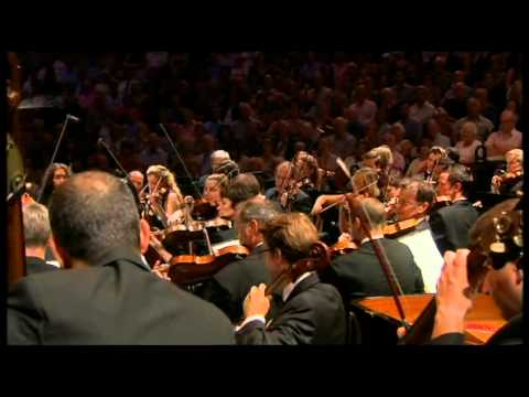 Casablanca suite performed live by the John Wilson Orchestra - BBC Proms 2013