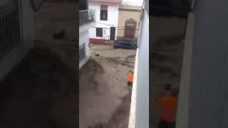 RIADA EN Adra (Almería) (INUNDACION) COCHES ARRASTRADOS POR EL AGUA