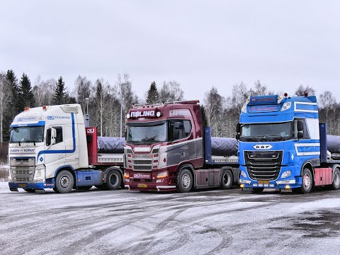 Tripled Up For A Drive To Finland With Christmas - WV 22 - William De Zeeuw Trucking