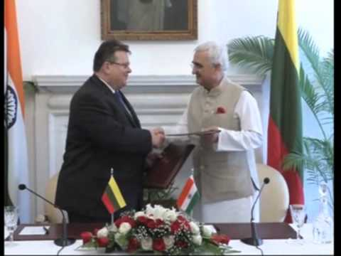 10 Nov 2013 - Foreign Ministers Of European Nations Arrive In New Delhi For Asia-Europe Meeting