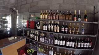 Цена аренды мотобайка, цена виски, вьетнамцы бухают и поют.