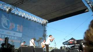 Cold War Kids - Hang Me Up To Dry @ US Open of Surfing 2010