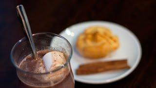 Горячий шоколад рецепт в домашних условиях(Данный видео рецепт показывает как приготовить Горячий шоколад в домашних условиях. Рецепт Горячего шокол..., 2015-01-16T12:42:50.000Z)