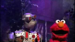 Elmo does the Robot with Memory Bot