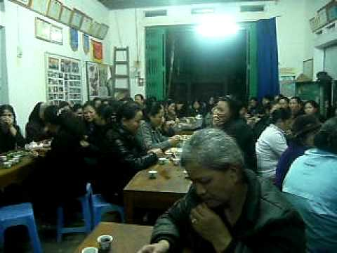 Chi Hanh hat mung 8-3-2011.avi