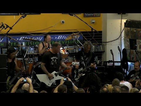 Metallica: Jump in the Fire (Live on Record Store Day 2016)