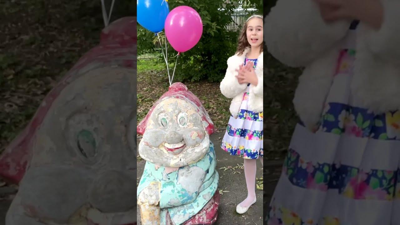Волшебный парк где герои мультиков живут - песня для детей со словами   Детские песни от Даши