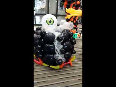Halloween balloon decor youtube for Balloon decoration ideas youtube