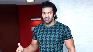 Arya Wishes his Best Friend Jiiva For His Film Pokkiri Raja