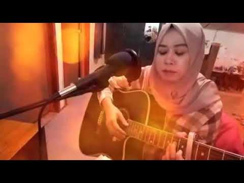 dalam bangat lagu nya|Akankah kau setia versi gitaris hijab