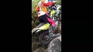 Video Motor Cross Adventure Extreme Keliling Bukit Kaba Bengkulu, Indonesia download MP3, 3GP, MP4, WEBM, AVI, FLV Desember 2017
