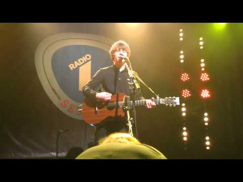 Jake Bugg - Simple As This @Radio 1 sessie