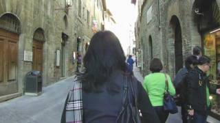 San Gimignano, Siena, Italy - Walking with DIY Video Stabilizer ステディカム(http://en.wikipedia.org/wiki/San_Gimignano http://www.borghiditoscana.net/eng/tuscany/siena/sangimignano/piazzasantagostino.html., 2011-12-10T05:47:04.000Z)