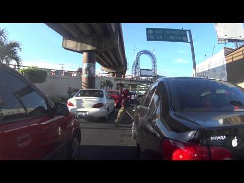 YT Splitting lanes in San Salvador