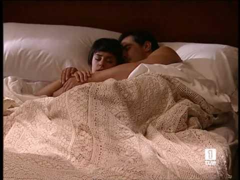 """El Despertar de Álvaro y Alicia. Amar en Tiempos Revueltos. """"De Cal y Arena"""", Mónica Molina."""