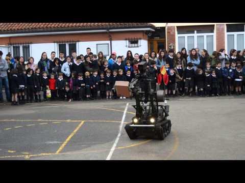 1 Exhibición de la Guardia Civil en el colegio San Rafael a fiesta de Santa Joaquina de Vedruna