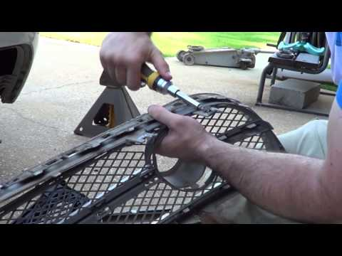 how to replace the grill of a VW Beetle