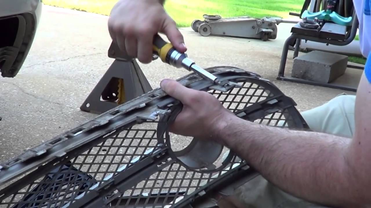 how to replace the grill of a vw beetle [ 1280 x 720 Pixel ]