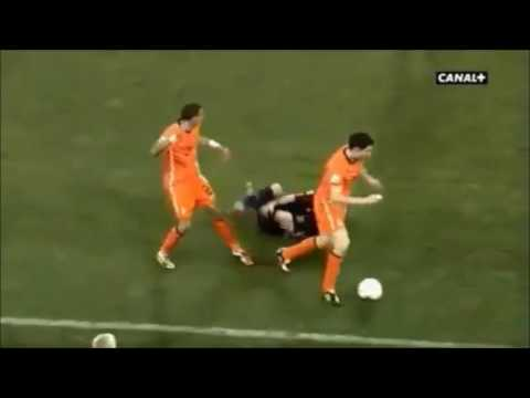 Compilation Mark Van Bommel fouls