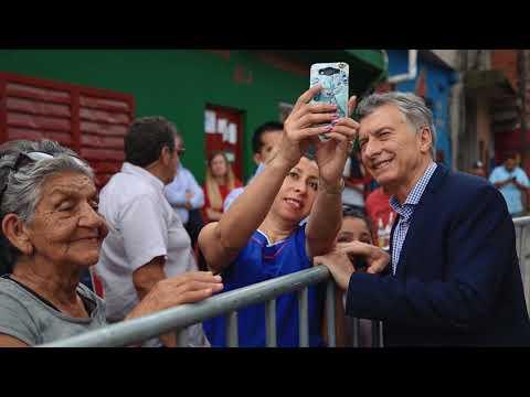 El presidente Mauricio Macri visitó el comedor Los Piletones