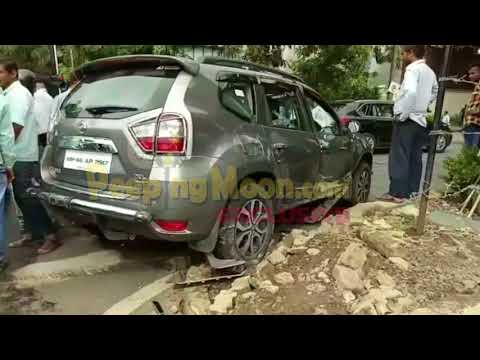 Danny Denzongpa's son's car meets with an accident outside Big B's residence!